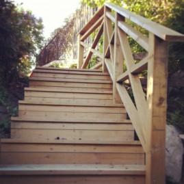 Byggnation av trappa i Saltsjöbaden