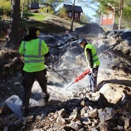 Spräckning av berg för parkering i Saltsjö-boo